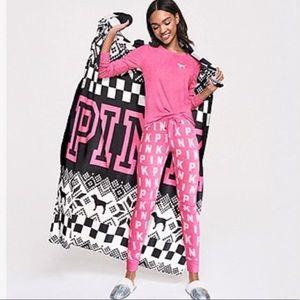 Victoria Secret Pink Plush Throw Blanket New